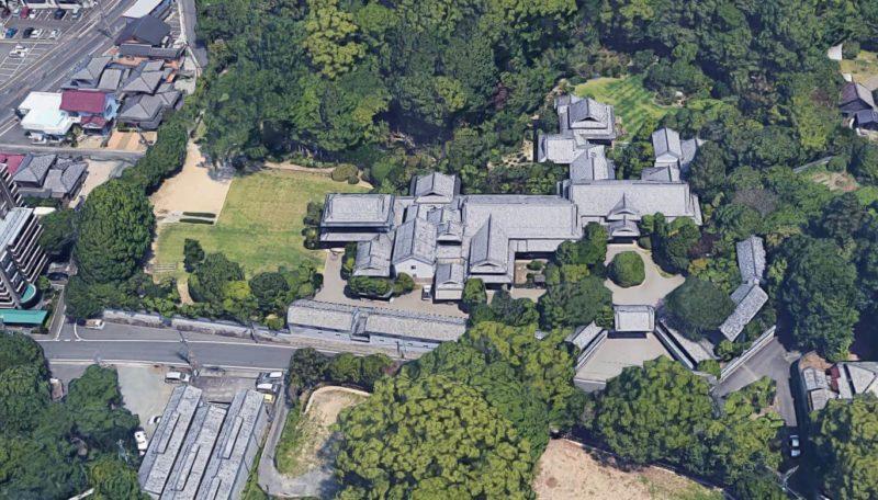 麻生 太郎 実家 麻生太郎の実家:裏山や飯塚学園、飯塚警察署も麻生グループの敷地み...